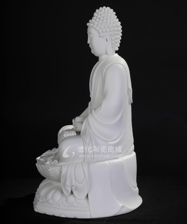 坐古莲如来 【规格】:17寸 【颜色】:象牙白 【工艺】:纯手工捏塑雕